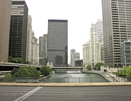 avenue: Street view of Chicago Buildings, Illinois