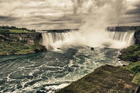 natural wonders: Power of Niagara Waterfalls on Canadian Side