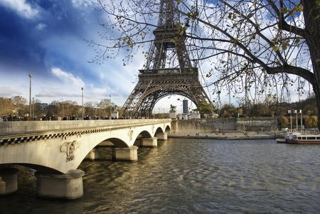 d'eiffel: Tour Eiffel and Pont d Editorial