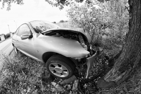 Car Accident against a Tree, Italy Stock Photo - 13981063