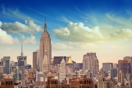 u s a: Manhattan Skyscrapers with dramatic Sky on background, U S A