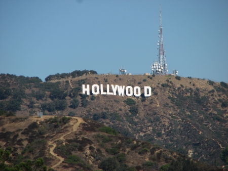hollywood hills: HOLLYWOOD, CALIFORNIA - OCT 19: The Hollywood sign, built in 1923, is shown as Hollywood gets ready to host the Academy Awards, October 19, 2006 in Los Angeles, California.
