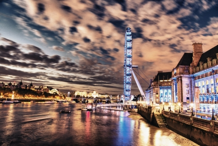 London Eye - dramatic night shot with full Thames and Buildings - UK photo