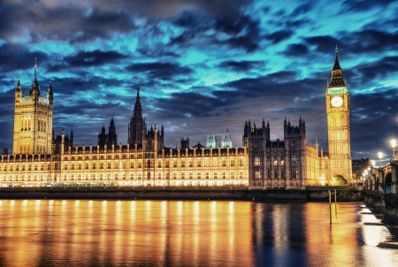 the palace of westminster: Big Ben, the Houses of Parliament and Westminster Bridge, night view, London