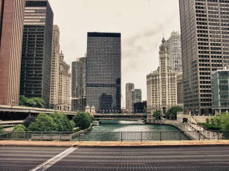 Bridge and Buildings in Chicago, Illinois Stock Photo - 16051527