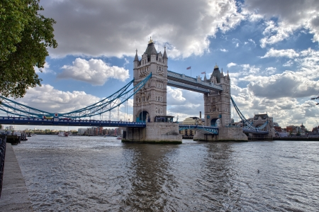 Side view of Tower Bridge with river Thames, London - UK Stock Photo - 16206231