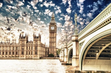 'tower of london': Landscape of Big Ben and Palace of Westminster with Bridge and Thames - London