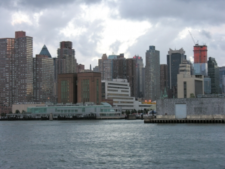 staten: Beautiful panoramic view of Manhattan skyline and skyscrapers from ferry boat, New York City