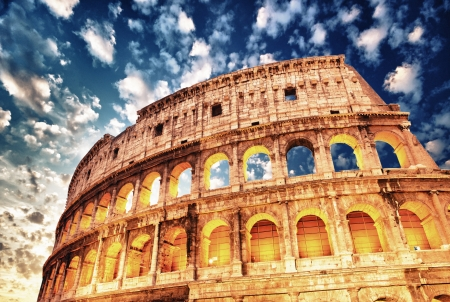 Herrlicher Blick �ber Colosseum in all seinen magnificience - Autumn sunset in Rom - Italien photo