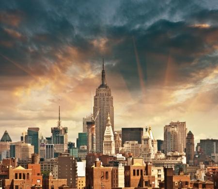 Magnifique vue sur Manhattan Gratte-ciel de couleurs beau ciel - New York City.