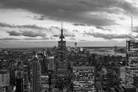 Vue en noir et blanc de Manhattan Skyline, New York City