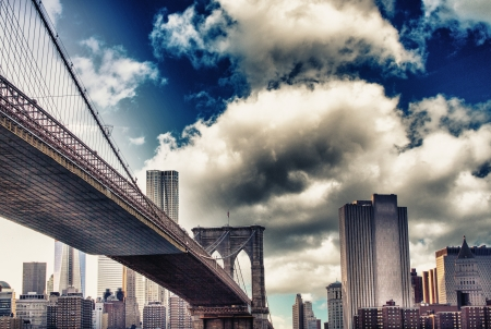 Amazing sunset colors over New York Cityscape and Brooklyn Bridge Stock Photo - 17923887