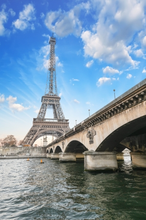 Paris - Beautiful view of Eiffel Tower  and Iena Bridge  La Tour Eiffel et le Pont d photo