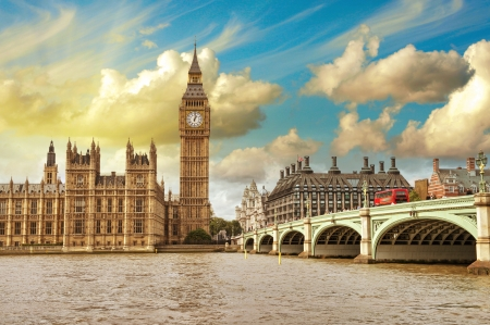 westminster: London. Beautiful view of Westminster Bridge and Houses of Parliament with Thames river. Stock Photo