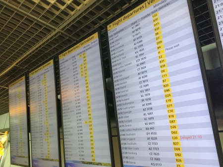 Airport timetablenfor Departures flights.