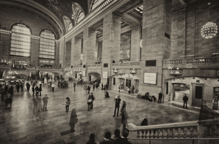 bustle: NEW YORK CITY - MAR 18: Interior of Grand Central Station on March 18, 2011 in New York City, NY. The terminal is the largest train station in the world by number of platforms having 44 Editorial