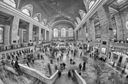 NEW YORK CITY - MAR 18: Interior of Grand Central Station on March 18, 2011 in New York City, NY. The terminal is the largest train station in the world by number of platforms having 44