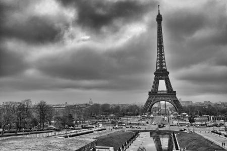 la tour eiffel: Paris  Wonderful view of Eiffel Tower  La Tour Eiffel in winter  Editorial