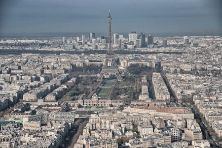 la tour eiffel: Paris. Aerial view of famous Eiffel Tower. La Tour Eiffel. Stock Photo