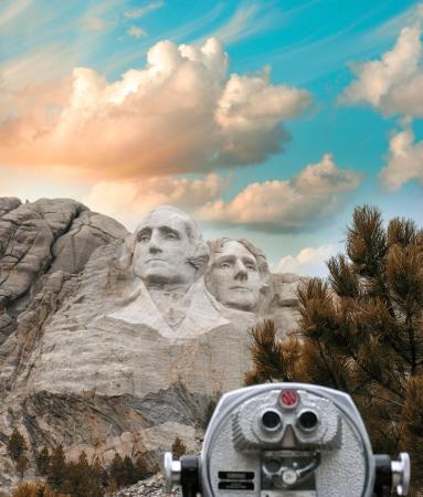 dakota: Mount Rushmore, South Dakota. View with telescope on foreground