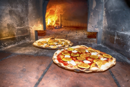 woodfire: Pizzas baked in wood oven.