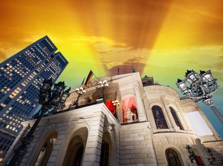alte: Alte Oper in Frankfurt, Germany - Winter sunset.