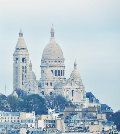 coeur: Paris. Basilique du Sacre Coeur.