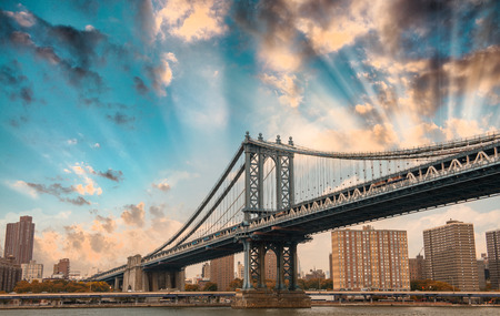 New York. The Manhattan Bridge at dusk.