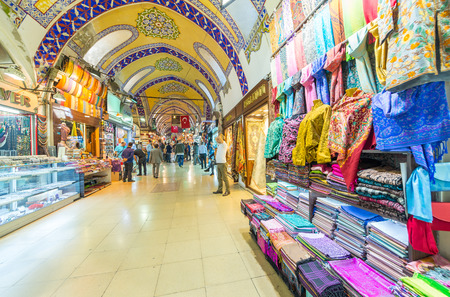 kapalicarsi: ISTANBUL - SEP 15,: The Grand Bazaar, considered to be the oldest shopping mall in history with over 1200 jewelry,carpet, leather,spice and souvenir shops. September 15, 2014 in Istanbul, Turkey
