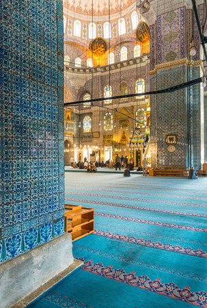 camii: The New Mosque (Yeni Valide Camii), an Ottoman Imperial Mosque interior architecture in Istanbul, Turkey, Eminonu district.