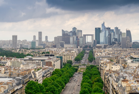 Paris, France. La Défense, vue aérienne du quartier des affaires.