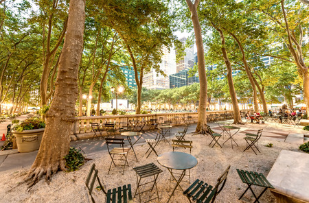 bryant: Outdoor dining area in Bryant Park, NYC.