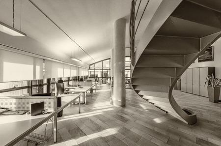 Interior de la oficina moderna.
