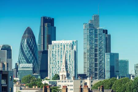 City of London. Skyline sur une belle journée d'été. Banque d'images - 43089335