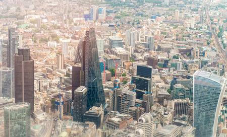 ヘリコプターから見たロンドンのスカイライン。 写真素材
