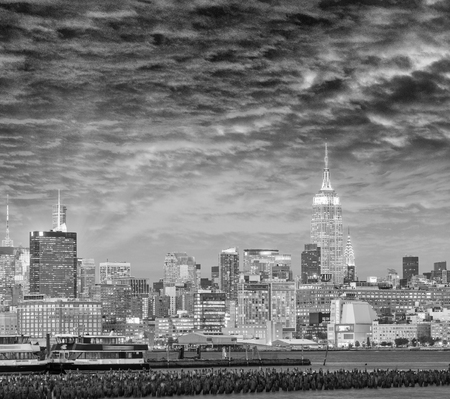 weehawken: Midtown Manhattan at sunset from Jersey City. Stock Photo