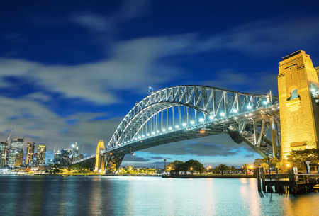 magnificence: Magnificence of Harbour Bridge at dusk, Sydney.