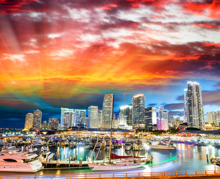 Sunset over Miami, Florida. Wonderful cityscape at dusk. 免版税图像