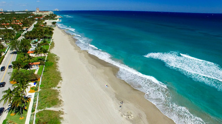 key of paradise: Coastline of Palm Beach, aerial view of Florida.