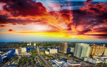 Luftbild von Fort Lauderdale Kanäle, Florida.