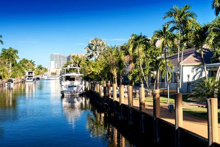 フォートローダーデール、フロリダ州の運河。