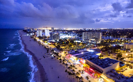 Fort Lauderdale by night, aerial view. Imagens - 58793635