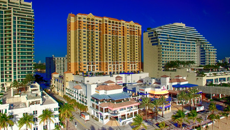 ft lauderdale: FORT LAUDERDALE - FEBRUARY 25, 2016: City aerial skyline on a sunny morning. Fort Lauderdale is a preferred tourist destination. Editorial