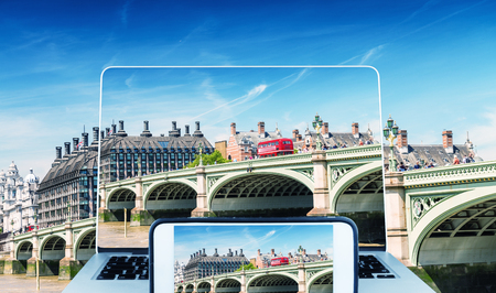 hp: Photographing and viewing Westminster Bridge, London.