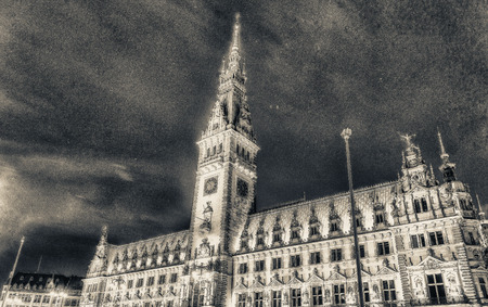 magnificence: Night view of Hamburg Town Hall. City Rathaus magnificence.