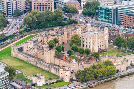 hamlets: Tower of London, aerial view of ancient city walls in London Borough of Tower Hamlets.