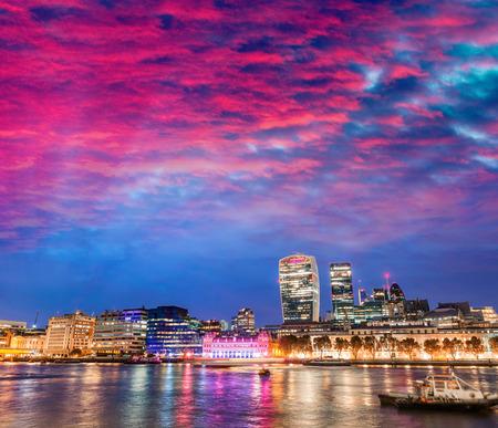 wharf: Canary Wharf buildings at sunset - London