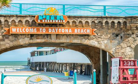 DAYTONA BEACH - FEBRUARY 17, 2016: Road to the beach. Daytona is famous for its road along the main beach. Editorial