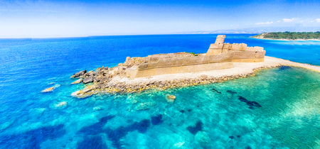 Panoramic aerial view of Aragonese Fortress, Calabria, Italy. Éditoriale