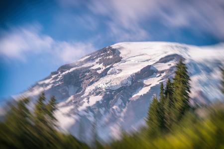 Beautiful landscape of Mount Rainier in summer. Éditoriale